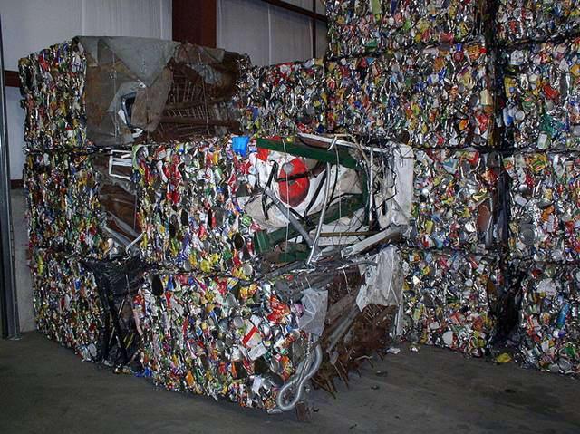 ilustrasi - pengolahan sampah